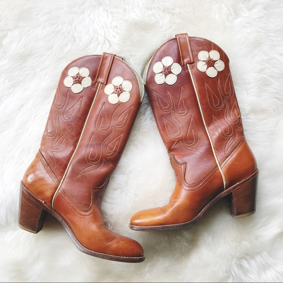 c1e69bf48c7db Vintage ACME dingo daisy western boots
